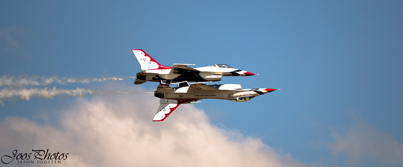Expert flying by Thunderbird pilots
