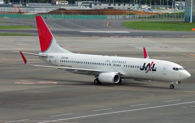 JA330J JAL EXPRESS B737-800