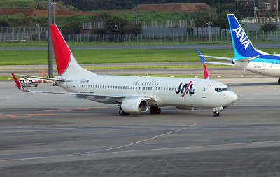 JA326J JAL EXPRESS B737-800