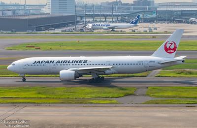 JA010D JAPAN AIRLINES B777-200