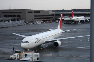 JA601J JAPAN AIRLINE 767-300