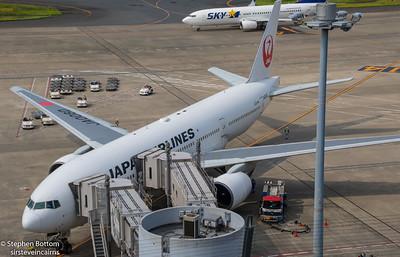 JA008D JAPAN AIRLINES B777-200