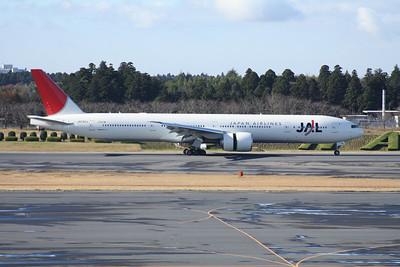 JA742J JAPAN AIRLINES 777-300