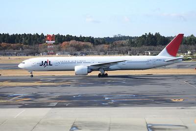 JA734J JAPAN AIRLINES 777-300