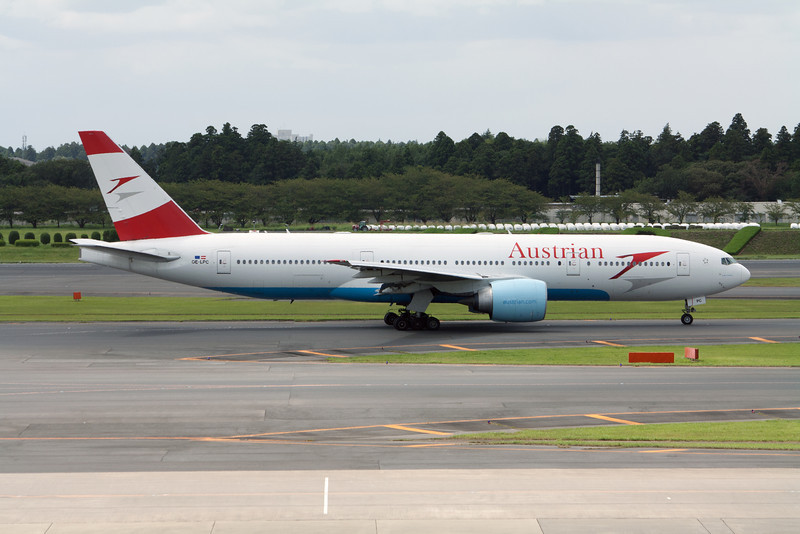 Austrian Airlines Boeing 777-200 OE-LPC