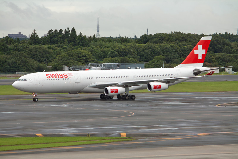 Swiss International Air Lines Airbus A340-300 HB-JMN