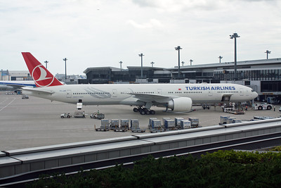 Turkish Airlines Boeing 777-300 TC-JJM