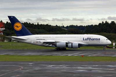 Lufthansa Airbus A380-800 D-AIMG