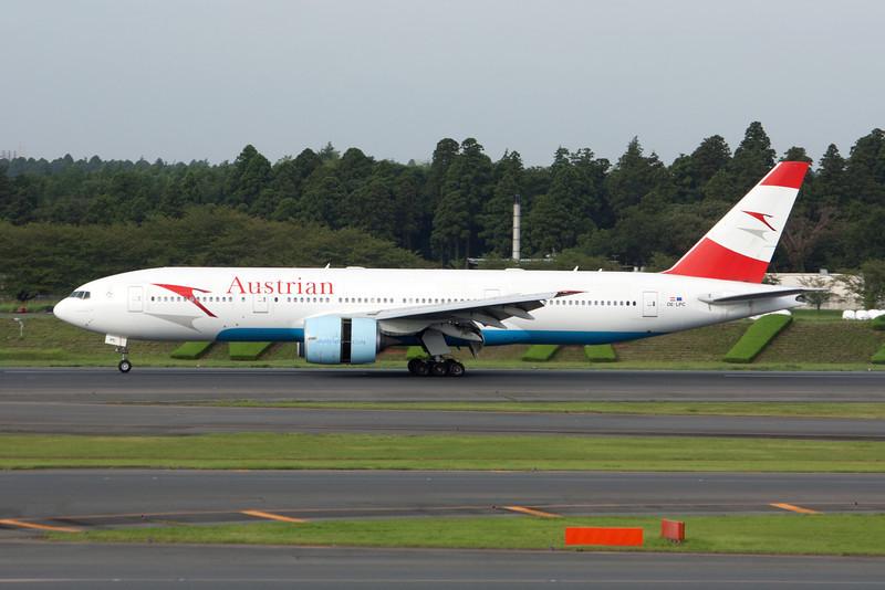 Austrian Airlines Boeing 777-200 OE-LPC