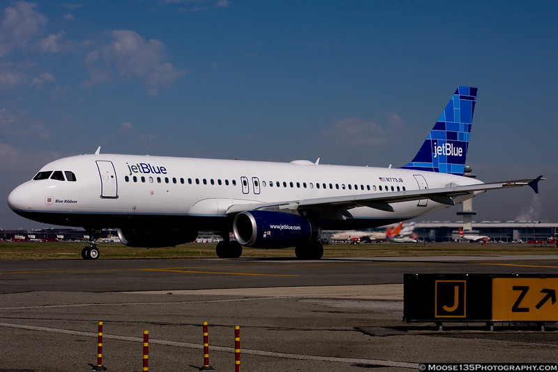 N779JB - Blue Ribbon