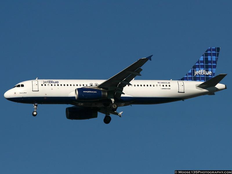 N603JB - Viva La Blue