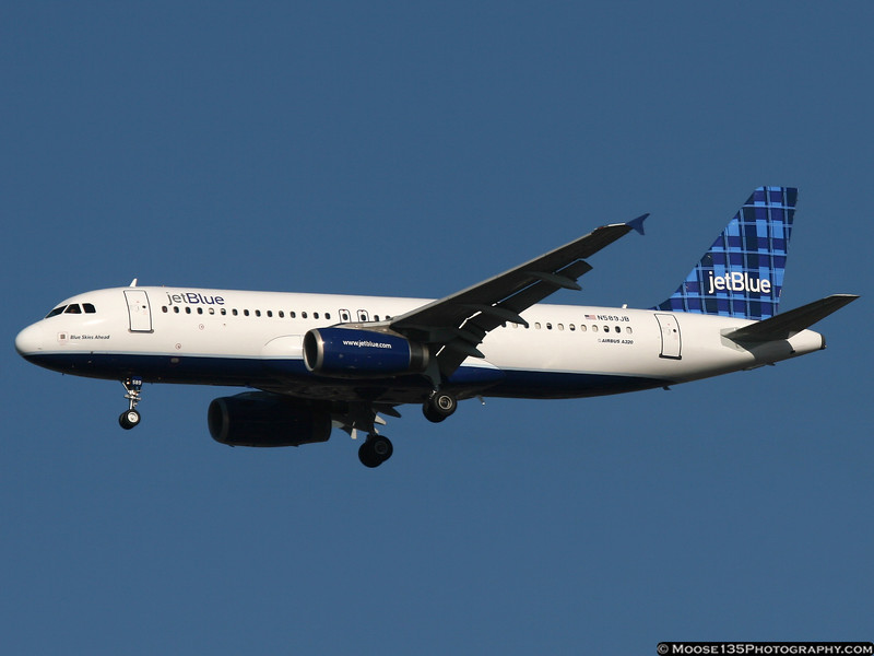 N589JB - Blue Skies Ahead