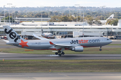 Jetstar Airbus A330-200 VH-EBE
