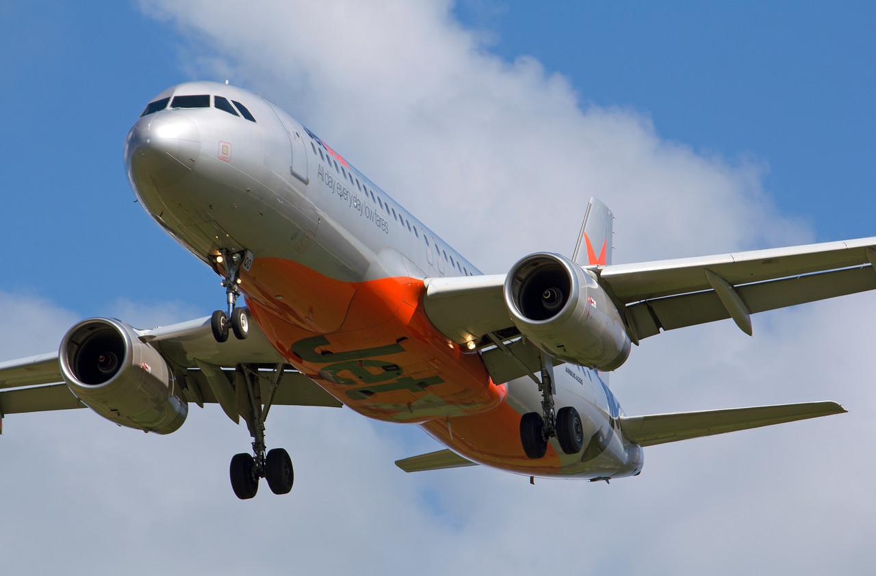 VH-VQO JETSTAR A320