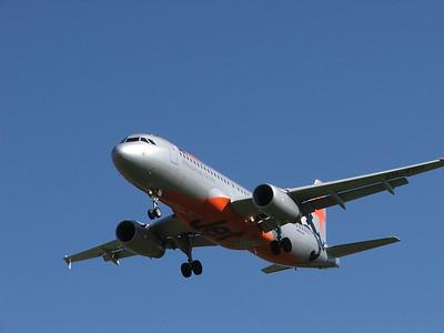 VH-VQU JETSTAR A320