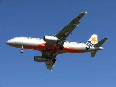 VH-VQW JETSTAR A320