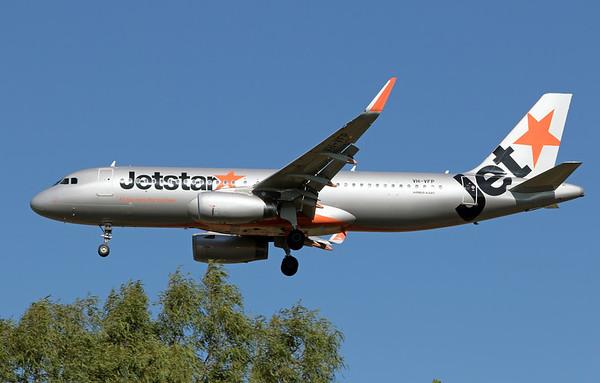 VH-VFO JETSTAR A320