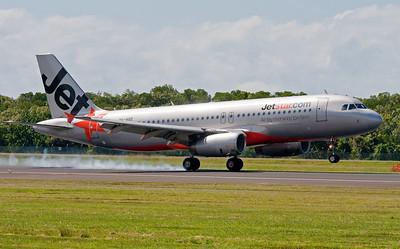 VH-VGZ JETSTAR A320