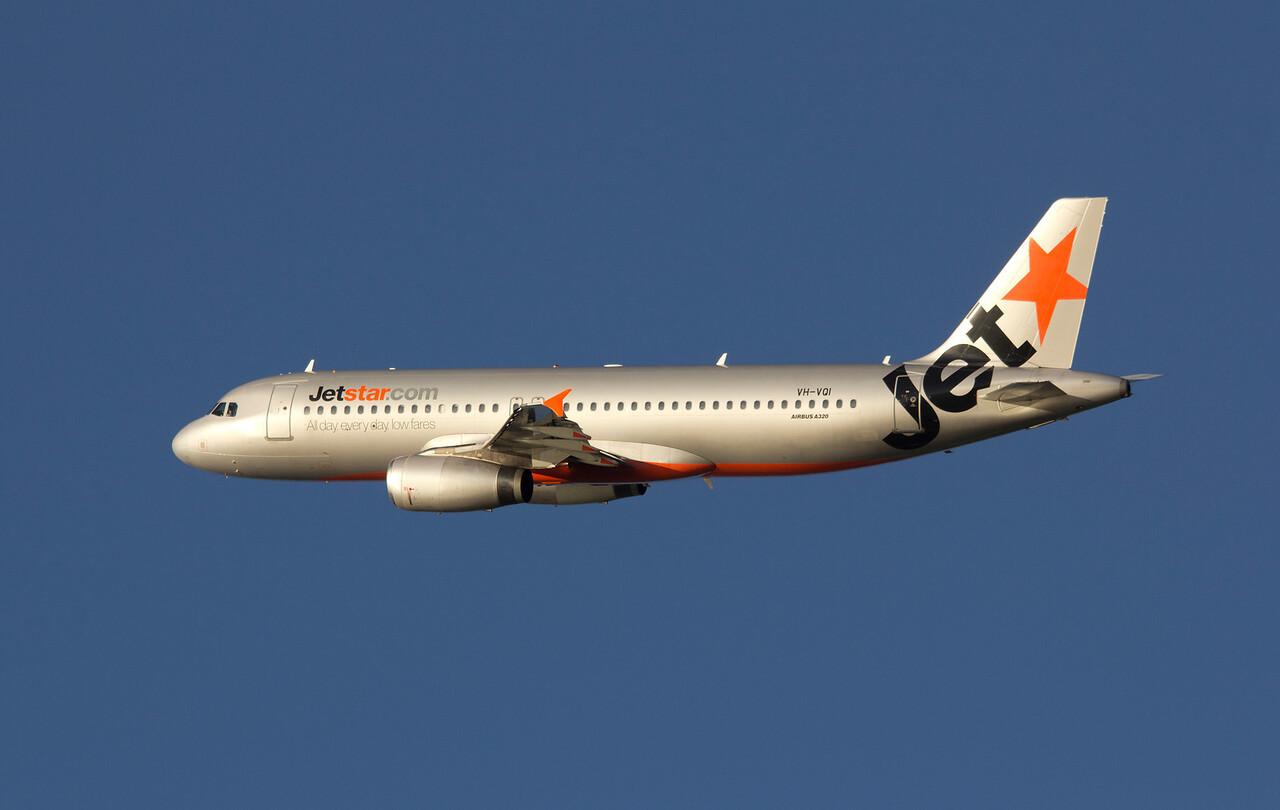 VH-VQI JETSTAR A320