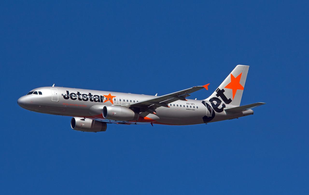VH-VFI JETSTAR A320