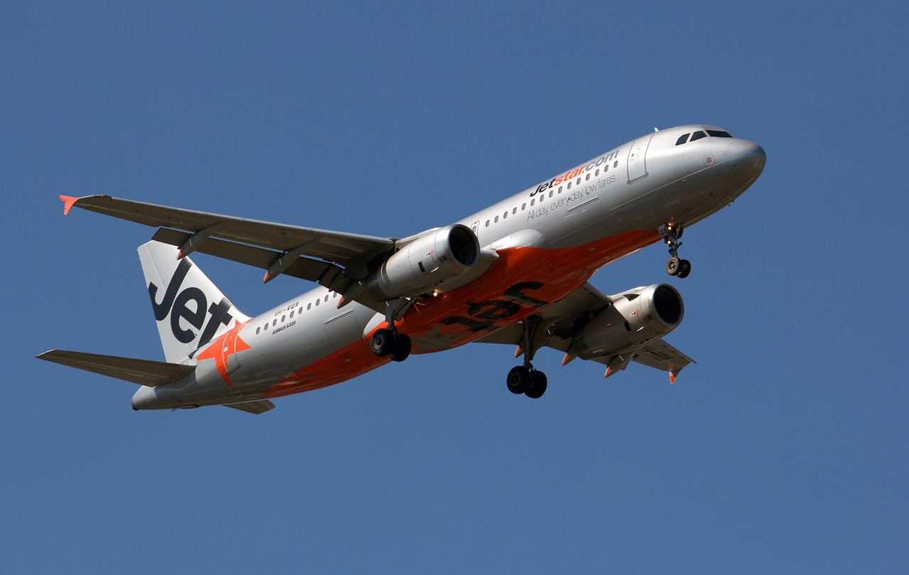 VH-VQX JETSTAR A320