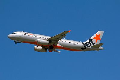 VH-VQM JETSTAR A320