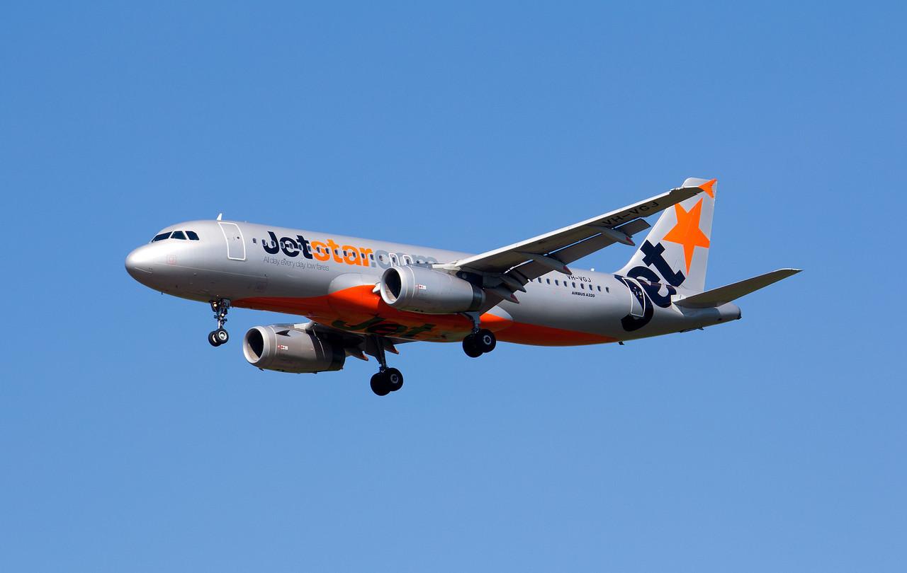 VH-VGJ JETSTAR A320