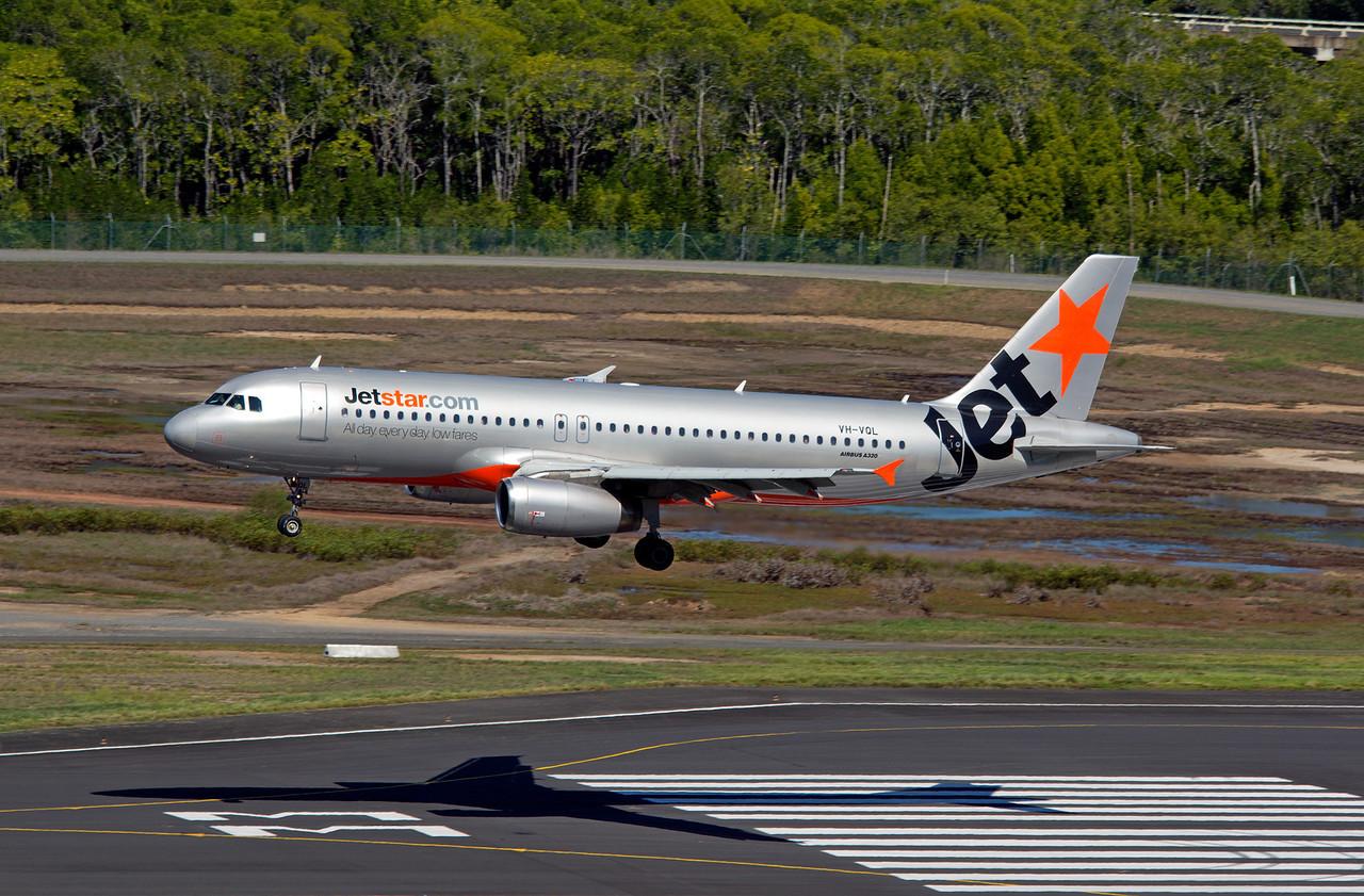 VH-VQL JETSTAR A320