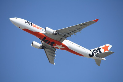JETSTAR Airbus A330-200 VH-EBC