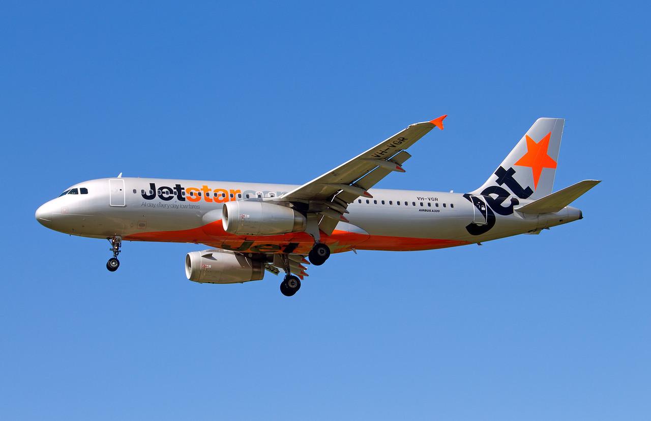 VH-VGR JETSTAR A320