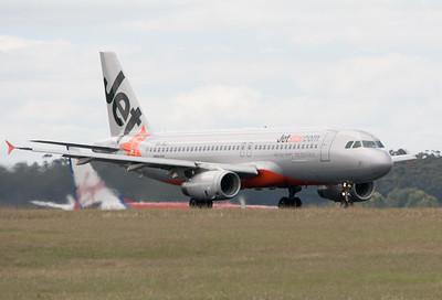 Jetstar Airbus A320-200 VH-VQJ