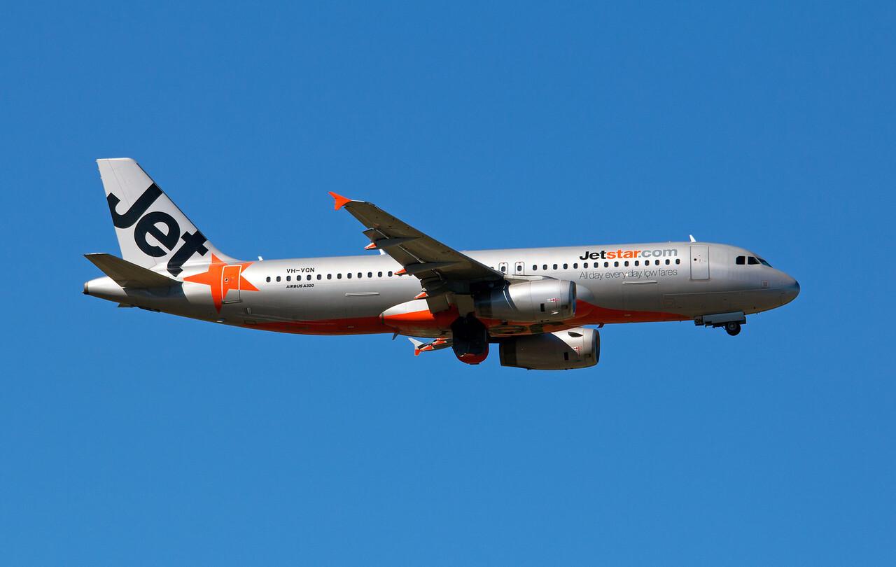VH-VQN JETSTAR A320