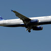 Jet Blue A320 arriving on 13L