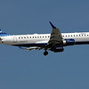 Jet Blue Embraer 190 arriving on 13L