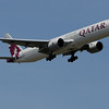 Qatar Airlines 777 arriving on 13L