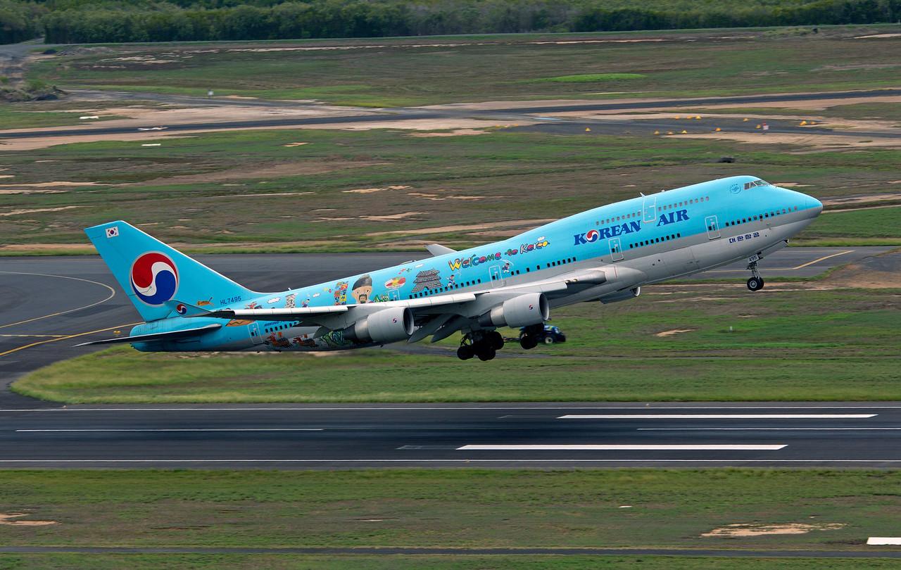 HL7495 KOREAN AIR B747-400