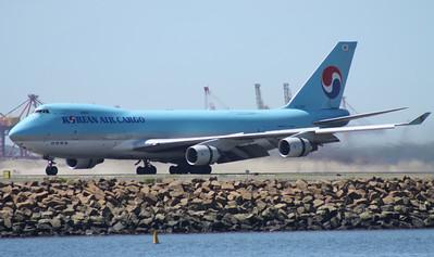 HL-7467 KOREAN AIR CARGO B747-400F