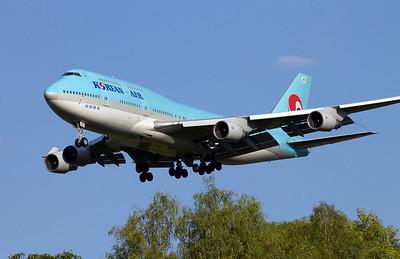 HL7493 KOREAN AIR B747-400
