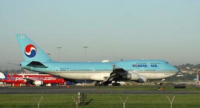 HL-7402 KOREAN AIR B747-400