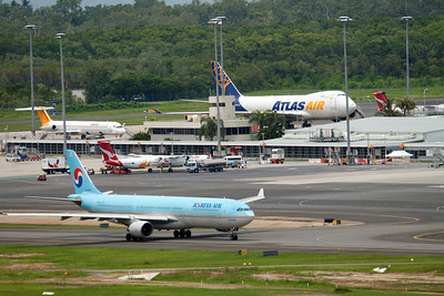 CAIRNS AIRPORT 2011
