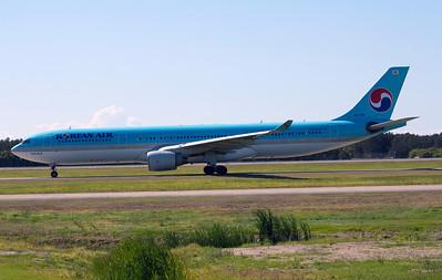 HL-7587 KOREAN AIR A330-300