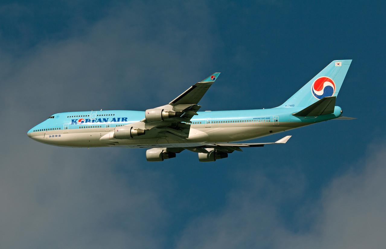 HL7460 KOREAN AIR B747-400