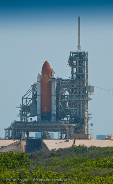 Another shot of Endeavour on Pad 39A a few weeks before its succesful launch.