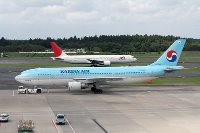 Japan Airlines / Korean Air Boeing 767-300 / Airbus A300-600 JA609J / HL7240