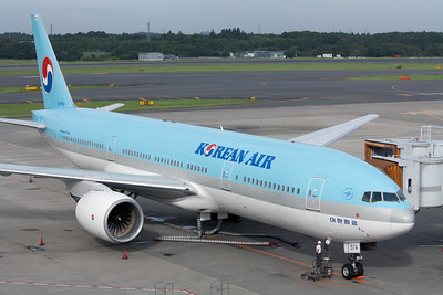 Korean Air Boeing 777-200 HL7574