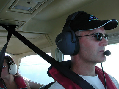 Christian Falck flyr LN-FAW hjem fra Lista. (Foto: Harald Hagen)