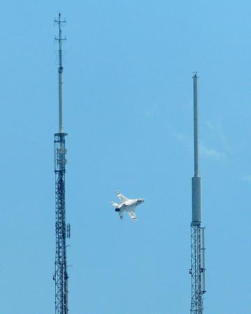 Lockheed Martin F-16 Fighting Falcon - Thunderbirds - Chicago Air & Water Show - Chicago, Illinois - Photo Taken: August 21, 2011