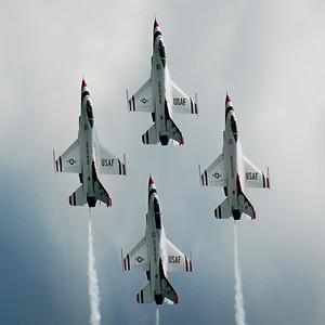 Lockheed Martin F-16 Fighting Falcon - Thunderbirds - Gary Air Show - Gary, Indiana - Photo Taken: July 10, 2010