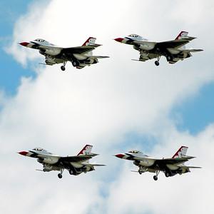 Lockheed Martin F-16 Fighting Falcon - Thunderbirds - Southern Wisconsin Air Fest - Janesville, Wisconsin - Photo Taken: May 29, 2010