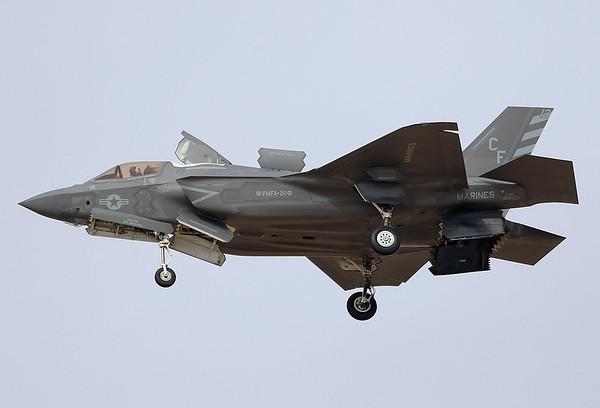BF-45_169165_CF-12_VMFA-211_WAKE_F-35B_Marines_YUM_20171117_2499